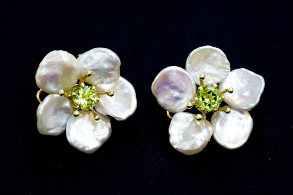 Petal Pearl-keshi pearl flower earrings with peridot center stone- Free shipping