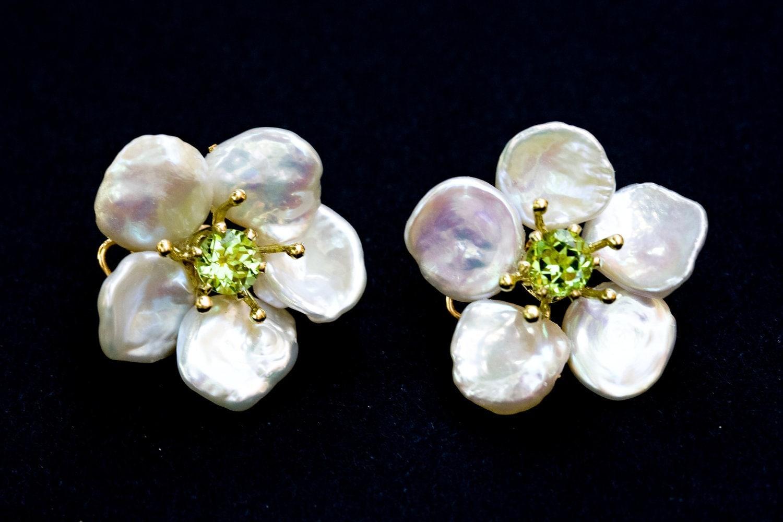 Petal Pearl Keshi Pearl Flower Earrings With Peridot Center