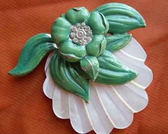 Vintage 1930s Brooch - Emerald Green Enameled Pin - Carved Mother of Pearl Flower