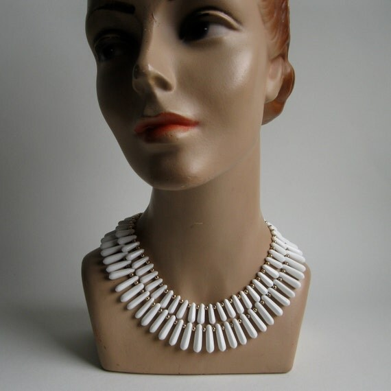 Vintage 1960s Necklace White Milk Glass Wedding Bridal Fashions