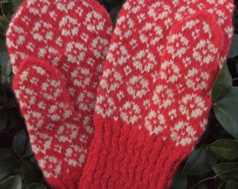 Finely Hand Knitted Estonian Mittens in Pink /White FREE SHIPPING warm and windproof