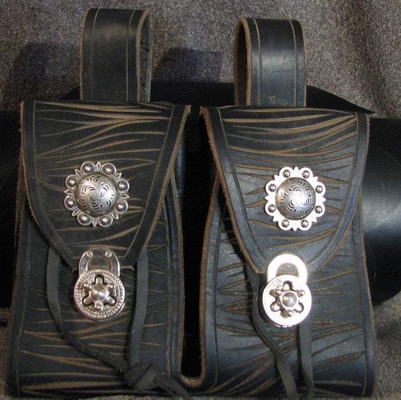 Black Leather Double Pouch Wychwydd