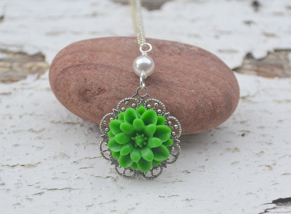 RESERVED for Megan - Simple Kelly Green Daisy Flower and White Swarovski Pearl Bridesmaids Necklace
