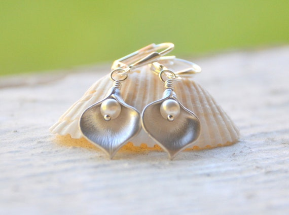 Silver Calla Lily Flower Petal and Pearl Dangle Earrings