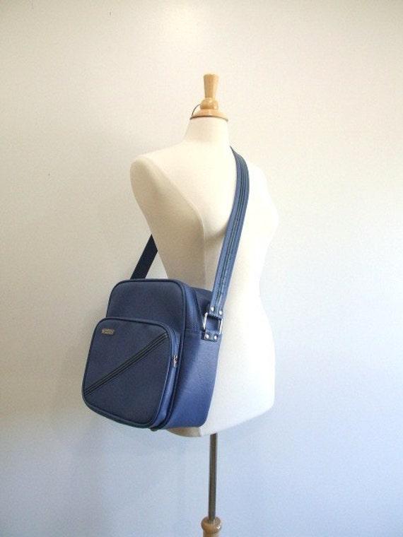 Vintage Samsonite Carry On Bag in Blue