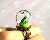 """Spring Green Ring """"A Little Prince Frog want a kiss"""" - Ring engagement  with terrarium"""