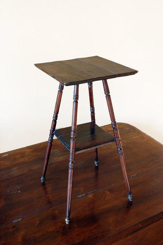 Antique Wood End Table // Spindle Leg