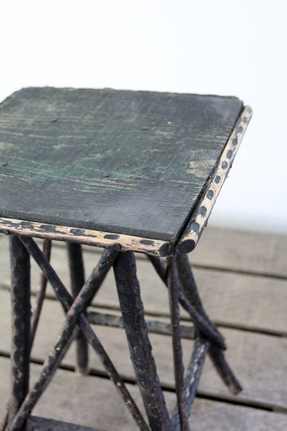 Folk Art Table / Antique Wood End Table