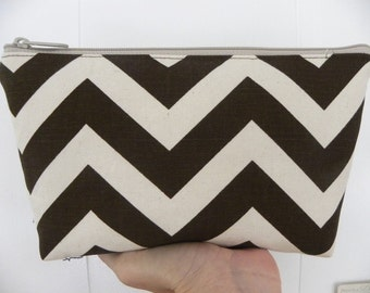 Zig Zag Large Cosmetic bag Large zipper Zig Zag Print Cosmetic/accessory Pouch-Brown and natural