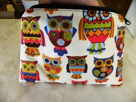 Sale-Large cosmetic/accessory/Travel pouch-Owl owls Cream