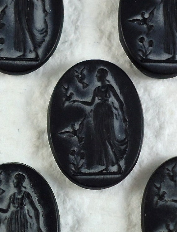 2 Cameo Lady Cabochon Oval Black 18mm x 13mm