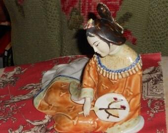 Chinoisier vintage beautiful  Asian lady or geisha lady