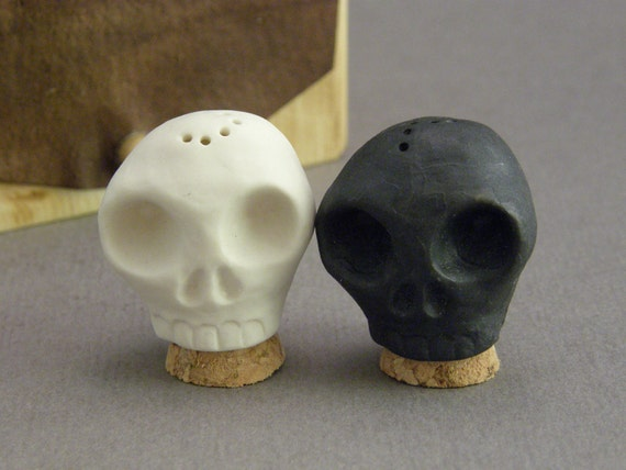 Salt and Pepper Skulls with Box