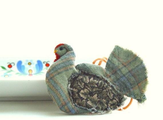 GREEN HEN, Folk Art, Textile Ornament, Kitchen Decoration, Green Linen, Gift Idea