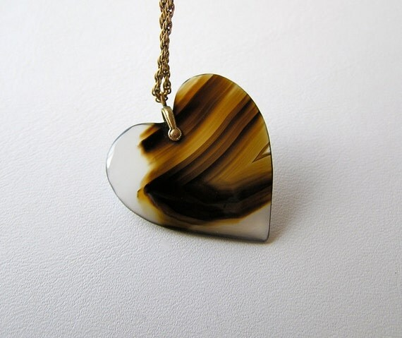 Victorian Edwardian Carved Agate Heart - Exquisite