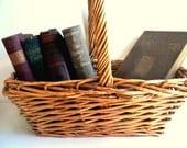 Vintage Gathering Basket / The Country Book Basket / Cottage Farmhouse Home Decor