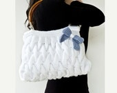 White hand knitted hand BAG with blue bow