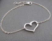 Heart Bracelet in STERLING SILVER.