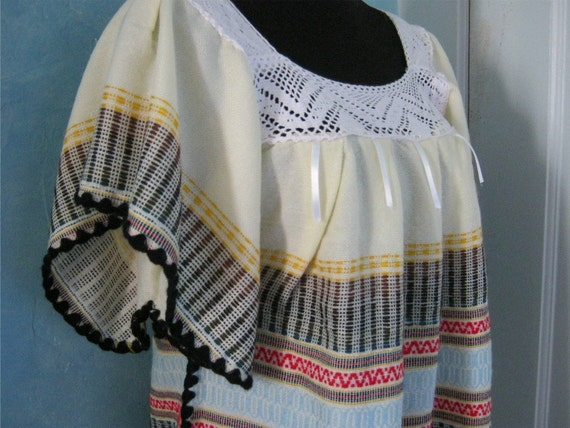 Guatemalan  Dress - Huipil Dress in Wool with Hand Embroidery