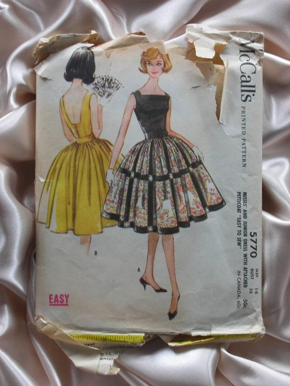 Vintage 1960s Party Dress & Petticoat Pattern 14/34