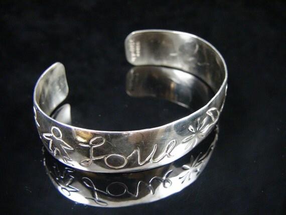 Ladies Vintage 6 1/2 Inch Sterling Silver Love Child Flower Cuff Bracelet