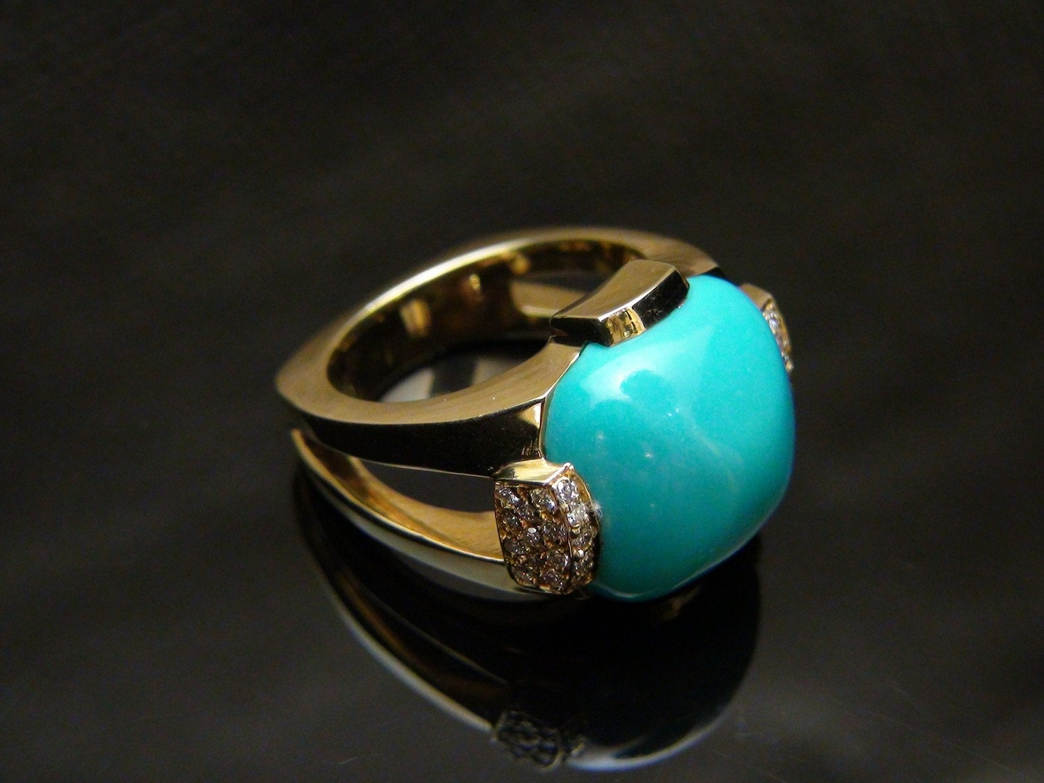 Persian Turquoise And Diamond 18k Yellow Gold Ring