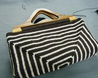 Wooden Handle Grip Crochet Bag