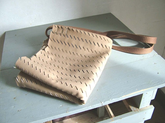 Natural Tote in Perforated Leather - Basic Holiday Essential