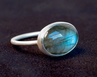 Labradorite and silver ring with little beads