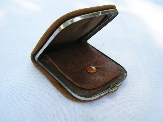 SALE VtG Leather Coin Wallet marked UNIVERSAL 1940s