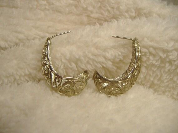 Vintage 1960s Sterling Silver Ornate Earrings