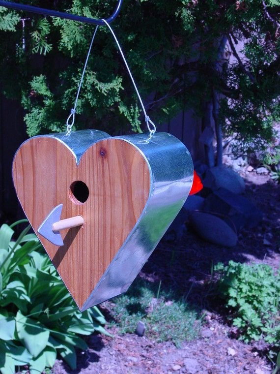 Heart Shaped Birdhouse   In Natural Cedar