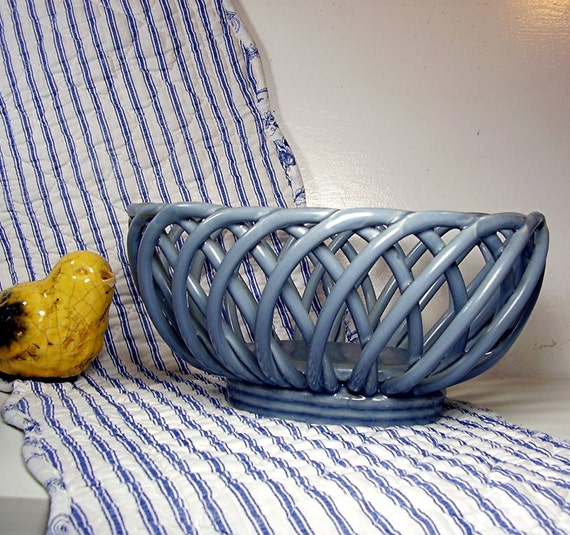 Kitchen Table Clay Pottery Fruit Bowl Decorating Ideas