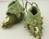 Fairy Shoes forest moss green and gold with leaf belong to Mossy Grove Faerie