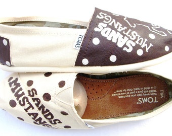 The Mustangs - Brown and Cream Custom TOMS