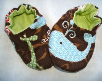 Newborn Baby Shoes Booties  Boy -  Giraffes and Animals