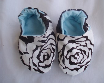 Newborn Baby Shoes Booties  Girl - Roses
