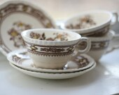 Quirky brown vintage teacups, set of three. 1930s.