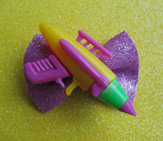 ZaP Retro RAYGUN Vintage Space Aliens Hair Bow Hairbow Kitsch Rockabilly RAY GUN
