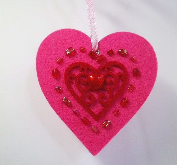 Lots of LOVE - Valentine Heart Ornament Gift Tag