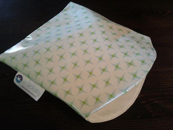 Snackaby reusable dishwasher-safe sandwich snack bag White Green