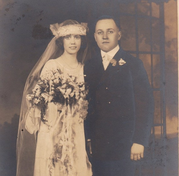 Chicago Bride and Groom- Ribboned Bouquet- 1920s Vintage Photograph