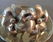 Vintage 1940's Sterling Silver Earrings Flower Daisy Screw On Back Heart Shape Petals