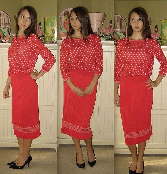 One fine day ..... vintage 60s knit sweater dress / skirt set / bombshell wiggle / crystal pleats pleated ....  s m / bust 34