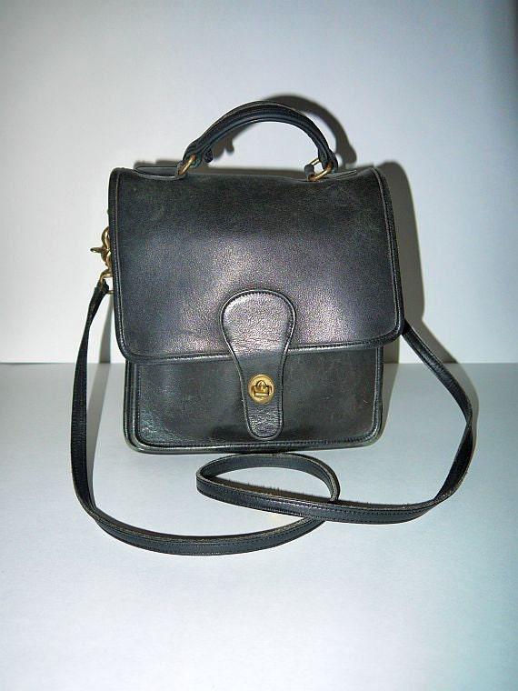 Vintage 80s 90s authentic Coach black leather purse handbag / willis / station bag / flap shoulder bag