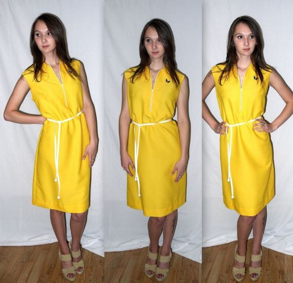 Here comes the sun  .... vintage 60s 70s summer dress / midi a line / sleeveless belted / scooter vespa /  ... L XL / bust 42