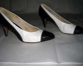 Vintage White with Black Patent Oxford Wingtip Leather Pumps Size 8.5M 1980s