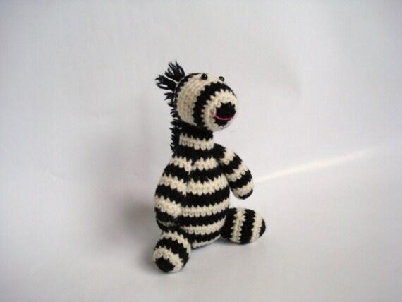 Amigurumi Zebra Hakeln : Stuffed Crocheted Amigurumi Zebra by AllSoCute on Etsy