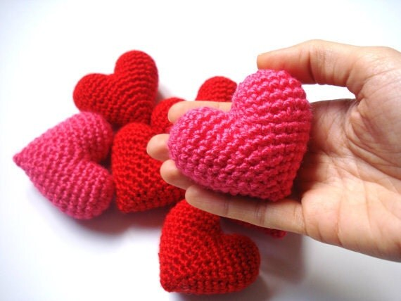 Etsy Amigurumi Patrones : Items similar to Pink Amigurumi Crochet Heart - Set of 2 ...