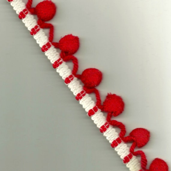 PomPom Trim - Fabric Sewing Home Decor Vintage Retro  White REd Pillow Curtain Trim Trimming Fringing